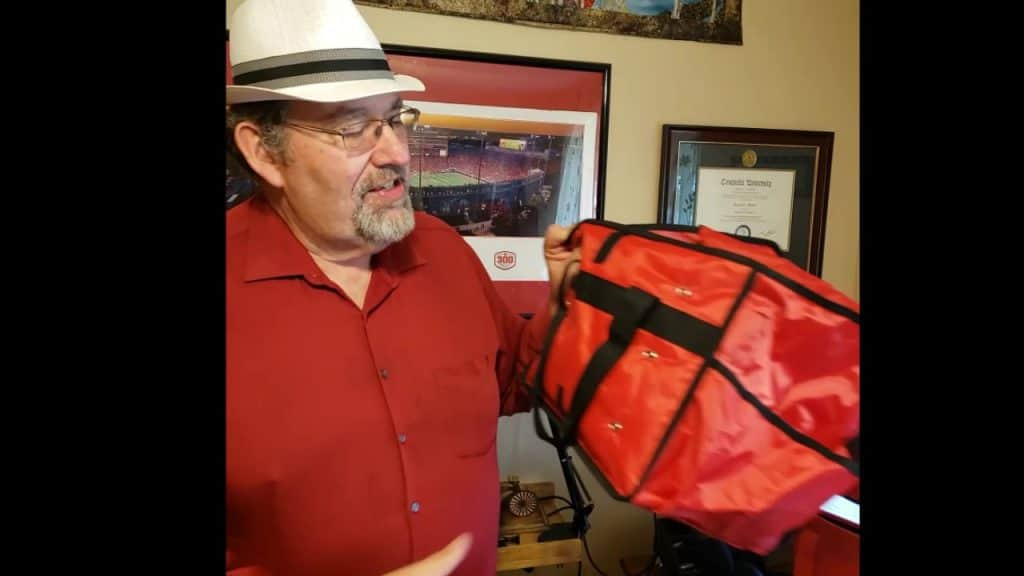 That would be me, holding the American Metalcraft PBSB1512 Deluxe Sandwich Delivery Bag while doing a video review