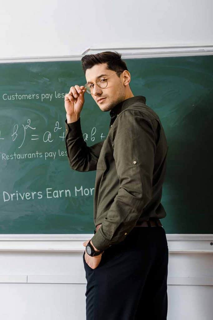 Person trying to figure out the TripDelivers math noting that customers and restaurants pay less and drivers earn more.